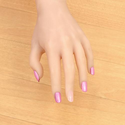ラブドールの爪4